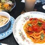 Bar di ViNO - 本日のパスタ(バジルとトマト)