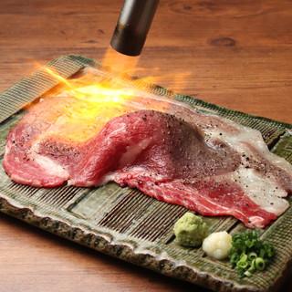 """◇厳選◇""""さしとろ""""、""""馬刺し""""。素材にこだわる肉料理を堪能"""
