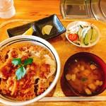 90130623 - カツ丼/大盛り(1000円/無料)