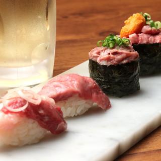 馬・牛・豚・鶏・鴨・ホルモンetc…。創作肉寿司が目白押し!
