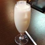 アジアン ダイニング アンド バー エベレスト - Asian Dining & Bar EVEREST @本蓮沼 ランチセットで選んだドリンクはラッシー