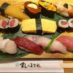 梅丘寿司の美登利総本店 - 特上にぎり1600円税別