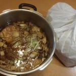 ラーメン二郎 - 料理写真:鍋二郎※2人前 1000円 (袋の生麺は、追加で3玉で合計5玉入っています)