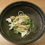 90138577 - イカと万願寺唐辛子のスパゲッティ