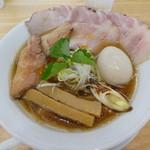 ヌードルショップ アラカワ - 料理写真:全のせ鴨だしアラカワラーメン(しょうゆ)1000円
