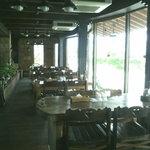 レストラン ふりっぱー - テーブル席