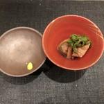 すし昇 - 本鮪砂ずりの煮物  満願寺とうがらしを添えて
