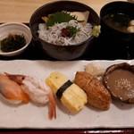 江戸政寿司 - 料理写真:ごまダレ炙り寿司と梅しらす丼ランチ(1080円)