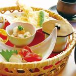川西の和がや - ランチメニューは、限定でお得な花籠御膳が大人気。お子様メニューもございます。