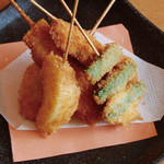 川西の和がや - 注文を受けてから揚げる串揚げはお子様にも大人気。
