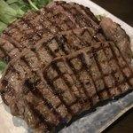 旬菜処 びいどろ - 旨味上等 赤身の石垣牛ステーキ 200g