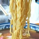 釜彦 - モチモチとした食感のちぢれ麺