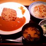 テング酒場 - 「手作り牛たんメンチカツカレーセット」(700円)