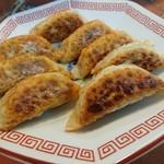 八味屋 - 料理写真:・餃子辛口8個 400円