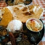 90163388 - 羊屋バーベキューセット  820円(税別)  ラムチョップとシシカバブのタンドール焼が2個ずつ。
