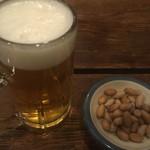 多可能 - ビールと茹で落花生