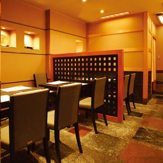 ほっと一息つける居心地の良い空間は、大切な接待や会食にも。