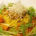 担担麺 利休 - 互野涼麺 平取町特産トマト、互野農場から直送の「ニシバの恋人」をたっぷり使用しています。