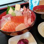 海鮮丼 丼・丼 - 料理写真: