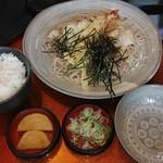 90182112 - 天ぷら辛味おろし&サービスのご飯