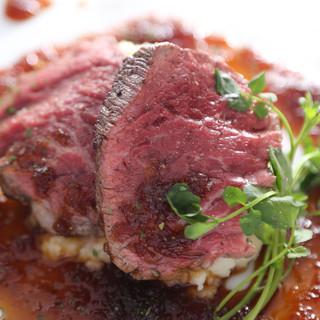 飛騨牛を使用した多彩な肉メニュー