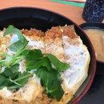 とんから亭 - 料理写真:・カツ丼<梅>+とん汁