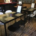 タベルナ44 - テーブル席②
