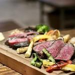 WINE9 - 薪で焼き上げた熟成肉ステーキ