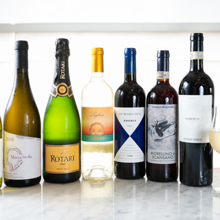 自家製カクテルやイタリア産ワインも豊富に取り揃えております。