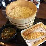 丸亀製麺 - 毎月1日 釜揚げうどん半額 得 通常490円→240円