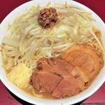 ラーメン二郎 - 小ラーメン+野菜ニンニク