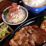 金昇 - 料理写真:ポークソテー定食