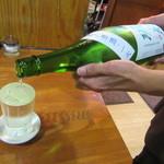 石臼挽きうどん しゅはり - 冷酒はこのように