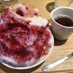 こなな - 木いちごと練乳のふわとろかき氷(830円)