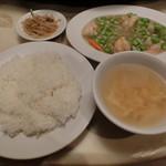 漢陽楼 - 料理写真:海老と枝豆塩こうじ炒め980円