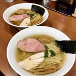 中華そば 七麺鳥 - 味玉醤油ラーメン ¥850 / 味玉塩ラーメン ¥870