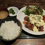 ちゃい九炉 - タルタルチキン定食600円