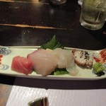 居座火家 喜人 - 次は刺身の盛り合わせ、福岡ならではの新鮮な魚介を使ったお刺身です。