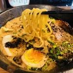 らーめん幸龍 - 黄金麺がお目見え!