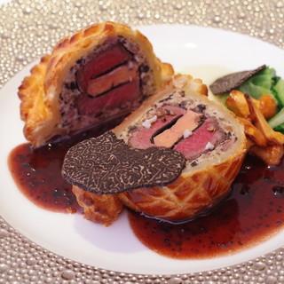 オテル・ド・ヨシノ - 料理写真:牛フィレ肉のウェリントン風