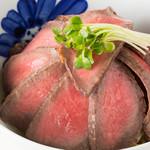 ●但馬牛ローストビーフ丼セット(ディナーメニュー)