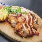 神戸クック ワールドビュッフェ - 料理写真:『ガイヤーン』〔タイ〕 スパイシーなタイ風焼き鳥、チリソースをつけてどうぞ♪