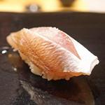 日本橋蛎殻町 すぎた - カスゴの昆布〆