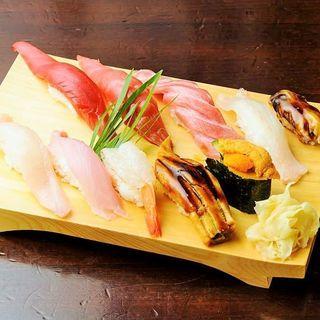居酒屋で本格的なお寿司をご堪能!!