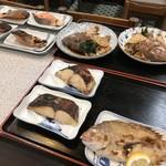 みどり食堂 - 焼き鯛、鰆、鮭、あら炊きたち(2018.8.2)