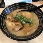 麺匠 てらお - 料理写真:鶏白湯らーめん(醤油・縮れ麺チョイス) ※煮玉子追加