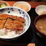 めしの助 - うな丼(半尾)