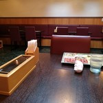 シバーダイニング - テーブル席、ゆったり