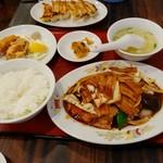 珉珉 - 回鍋肉定食+ランチ餃子1人前 920円(税込)