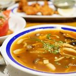 喰べ物や 花子っ子 - 温野菜とキノコのスープ 580円